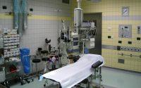 手術室での臨床工学技士(ME)の業務で利用される機器や一日の仕事の流れ